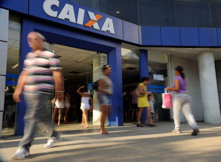 AGÊNCIAS DA CAIXA ABRIRÃO MAIS CEDO PARA ATENDER COTISTAS DO PIS